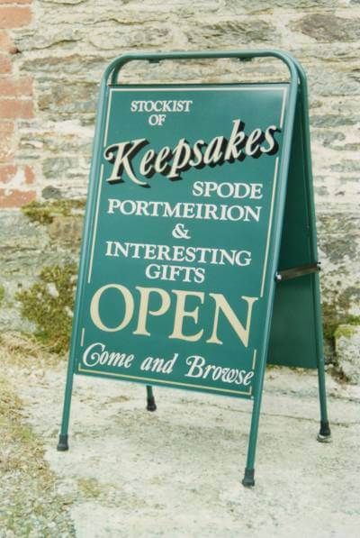 Newcastle Emlyn Signs for Keepsakes