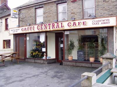 Newcastle Emlyn Signs for Central Cafe