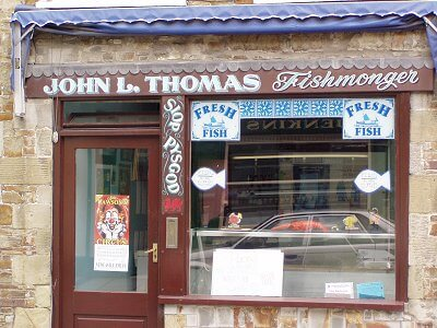Newcastle Emlyn Signs for John Thomas fishmonger